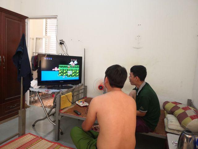 oion lại tuổi thơ với game contra